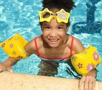 girl with floaties