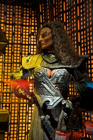 399px-klingon_female_model