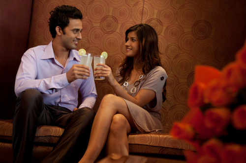 145072872-couple-having-drinks-in-a-restaurant-gettyimages_large