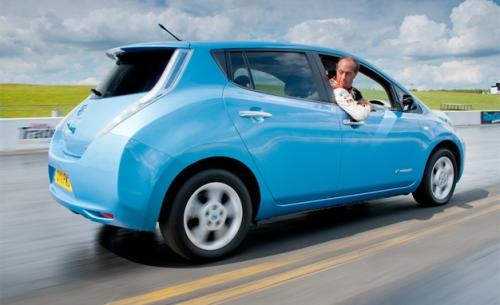 Nissan-Leaf-traveling-backwards.jpeg