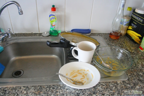 728px-Put-all-dishes-together-by-sink-Step-2.jpg