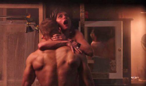 Ryan-Reynolds-and-Morena-Baccarin-sex-scene-327692.jpg