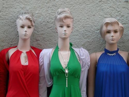 mannequins-60330_640